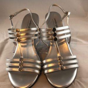 🏵Silver wedge Women's Sandals, comfort plus Sz 9
